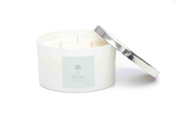 Hand poured, vegan soy wax candle in scent Lemongrass and Ginger