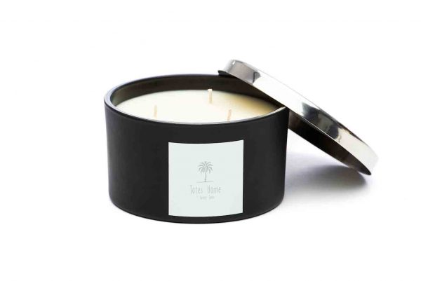 Hand poured, vegan soy wax candle in scent Midnight Woods