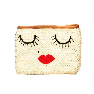 Hand woven Moroccan straw clutch bag with kiss detail